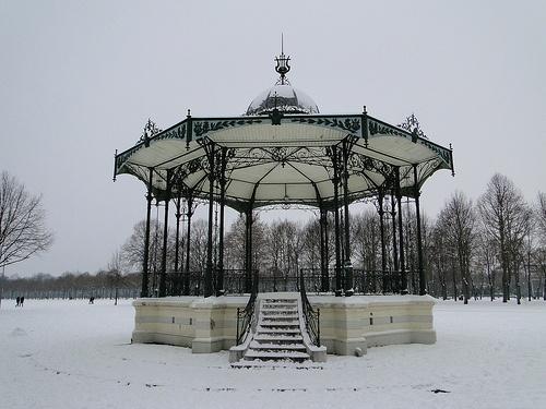Area of La Hotoie in Amiens - Le Kiosque de la Hotoie à Amiens sous la neige