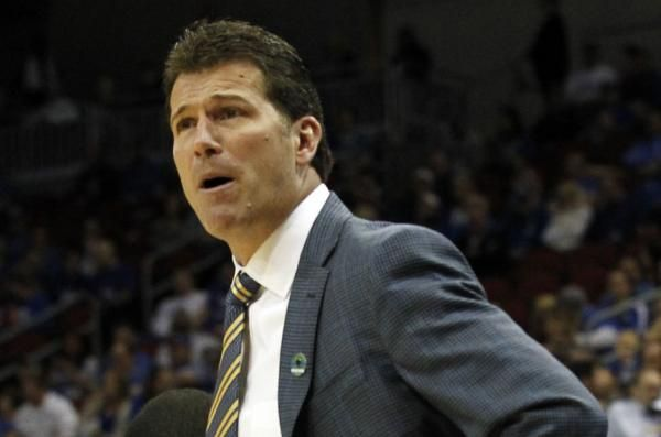MEMPHIS -- Steve Alford is staying at UCLA.