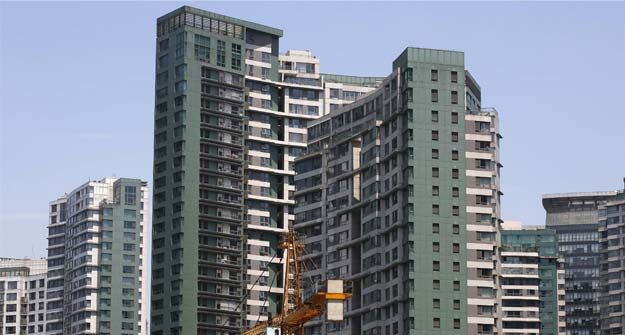 Bangalore, Mumbai to Lead Residential Sales Recovery: Knight Frank  Here are the highlights of Knight Frank's property outlook report for six metro cities: Mumbai and Bangalore are expected to lead in the recovery of sales volume, with 49 per cent and 26 per cent growth respectively, during July to December, 2014. During H1 of 2014 (January to June), residential property prices in Bangalore appreciated at the fastest pace of 11 per cent.   Source: NDTv Profit