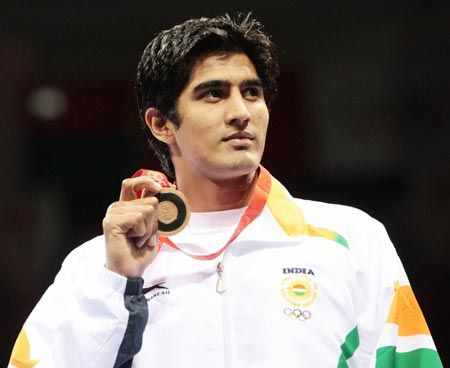 Star Indian boxer Vijender Singh was honored by Haryana association in London on the occasion of Haryana day.The guest of the event were Indian High Commission's officials in London.