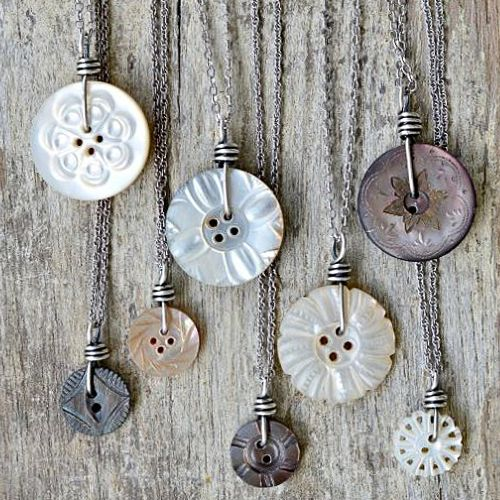 Learn techniques for creating stylish accessories, from a classic pair of hoop earrings to exquisite, vintage-inspired pendants with Craftsy's FREE guide.