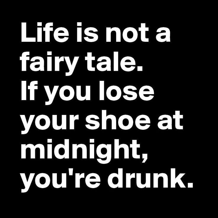 🍸🍺😂. Stay safe darklings & have a nice weekend 🖤. I'm keeping my feet firmly placed on the sofa 💤 - - - #friday #nocinderella #helloweekend