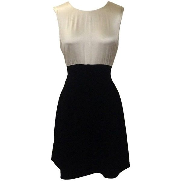 Pre-owned Oscar De La Renta Dress ($237) ❤ liked on Polyvore featuring dresses, short dresses, black and white, black and white dresses, black white cocktail dresses, short polka dot dress, polka dot cocktail dress and oscar de la renta dresses