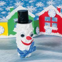 Sněhulák z dekoračního sněhu