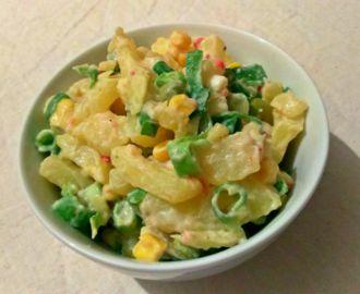 Lehký bramborový salát s bílým jogurtem