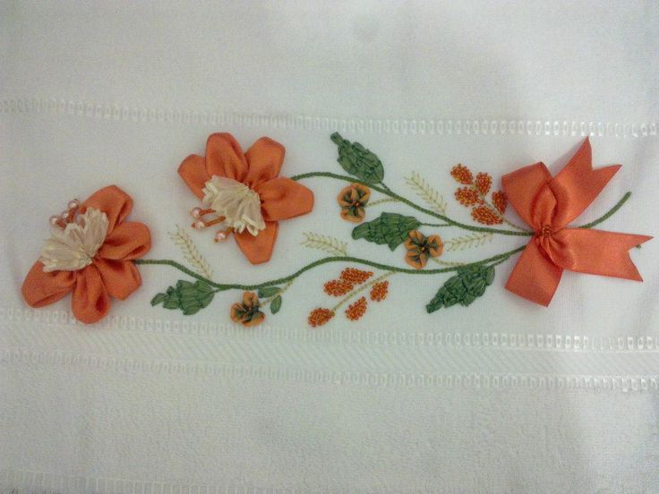 257 best cenefas images on Pinterest | Embroidered towels