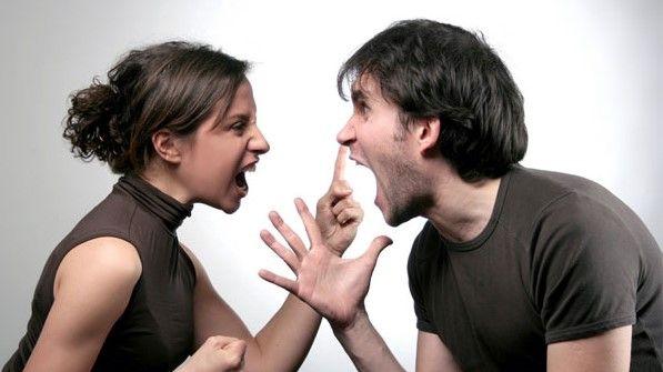 ♥♥♥  Relacionamento: 7 discussões que não valem a pena Algumas palavras podem ferir tanto que comprometem o relacionamento. Que tal pensar antes de usar alguns desses argumentos em uma discussão com o seu amor? http://www.casareumbarato.com.br/relacionamento-7-discussoes/