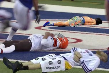 Johnny Manziel Lays in End Zone After Busted Play, Gets Turned into Memes