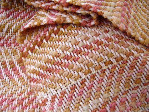 detalle de chal en lana