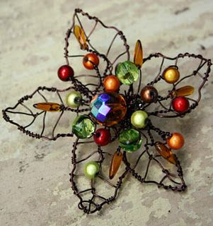 ♥ Autumn wire leaf beaded brooch