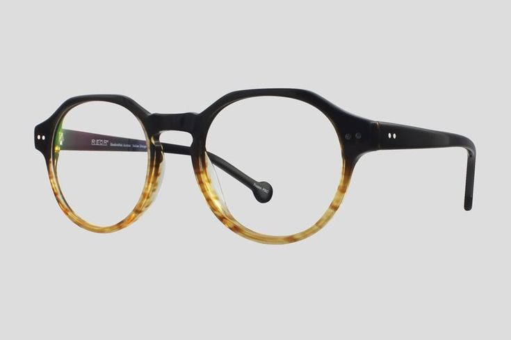 #Brillen van Reor. Dit is de Sheffield (art. nr. F10.616UTE), complete bril vanaf € 39,90. #Montuur van transparant bruin acetaat. Verkrijgbaar in meerdere kleuren.