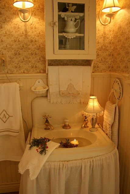 sweet bathroom - love, love this!  See - we don't have to have everything new!  Vintage is best!
