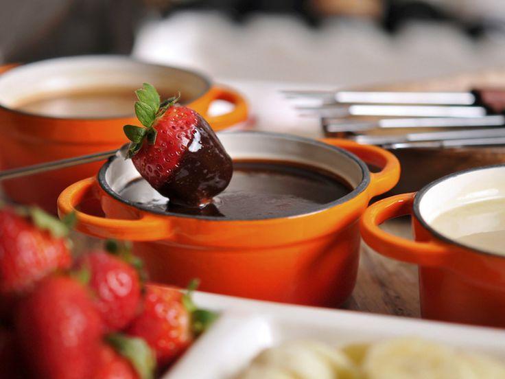 Cupom: 55% de desconto em fondues de queijo e de chocolate em SP