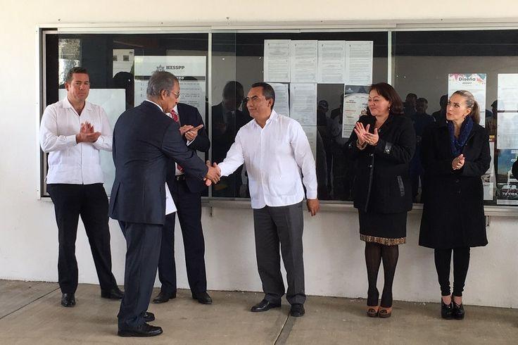 El secretario de Gobierno de Michoacán, Adrián López Solís, lo conmina a continuar con los trabajos para la implementación de la carrera en Ciencias de la Seguridad – Morelia,Michoacán, 19 ...