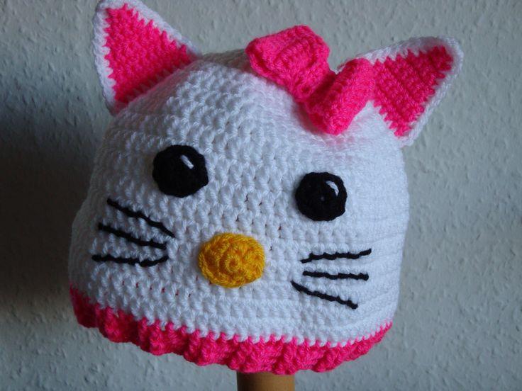 (Made by Susanne Elfrom Nguyen) Hæklet hello kitty hue. Opskrift eget design