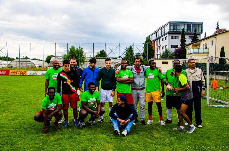 Flüchtlinge aus Syrien gewinnen Fußball Turnier in Leonding