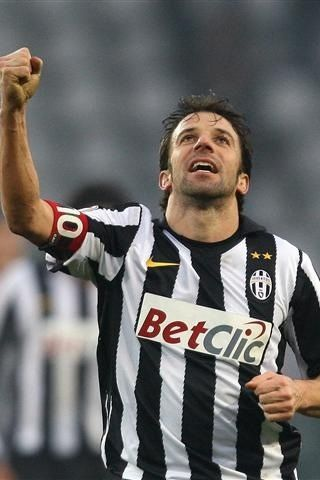 Alessandro Del Piero... the first player i always wanted to see play