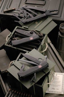 Victorinox Military Kit (France & Italy), 2010 Limited Edition