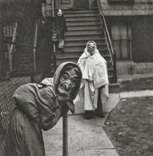 19 realmente tenebrosos disfraces vintage de Halloween. Niños con disfraz de Halloween, años 30s.