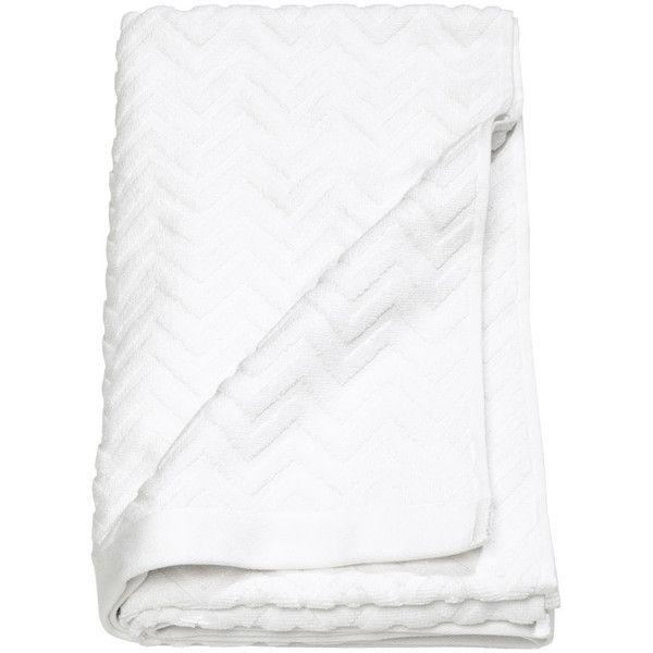 Jacquard-patterned Bath Towel $17.99 ($18) ❤ liked on Polyvore featuring home, bed & bath, bath, bath towels, jacquard bath towels, white bath towels and patterned bath towels
