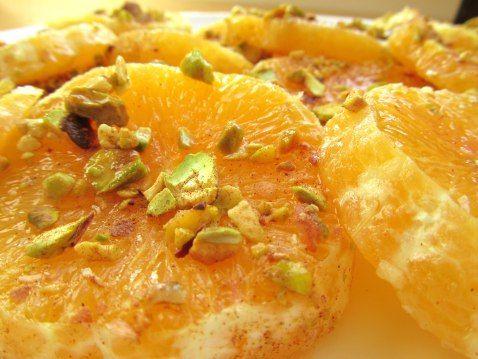 Pomerančové plátky se skořicovo-medovou zálivkou podle Gordona Ramsayho (tady i ve variantě s drcenými pistáciemi)