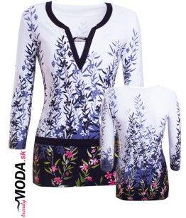 Dámske tričko s dlhým rukávom, elegantnou celoplošnou potlačou a zaujímavo riešeným výstrihom -trendymoda.sk