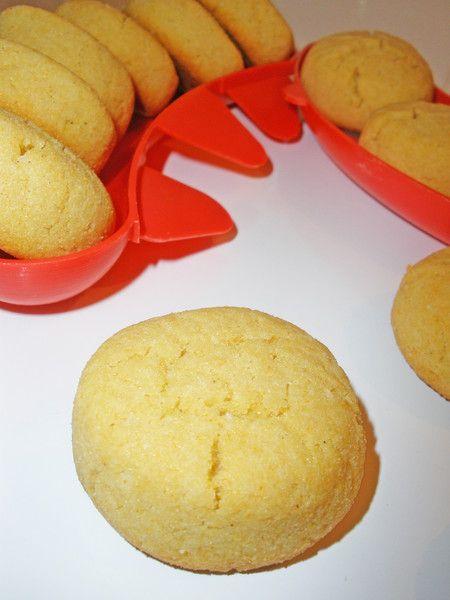 И снова выпечка без глютена. Мягкое и рассыпчатое печенье нежно-желтого цвета. Делается просто - съедается быстро. Повторюсь, без пшеничной муки!!! =)…