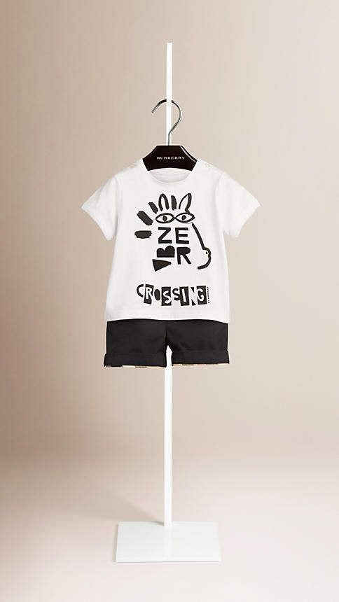 Burberry soft cotton T-shirt with a playful typographic print. Discover the childrenswear collection at Burberry.com