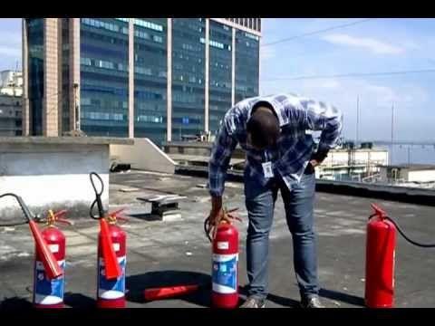 Eu baixei o vídeo TARGET BRASIL - Treinamento com extintor de Incêndio no baixavideos.com.br!
