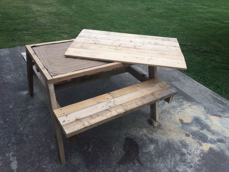 Cool Kids Pallet Sandbox Picnic Table  #garden #kids #outdoor #pallet #palletdiyideas #palletpicnictable #pallettable #picnictable #repurposedpallet #sandbox Pallet crafters love the idea of saving money, as well as creative use of space and supplies. Here's a brilliant idea: a Kids Pallet Sandbox Picnic Ta...