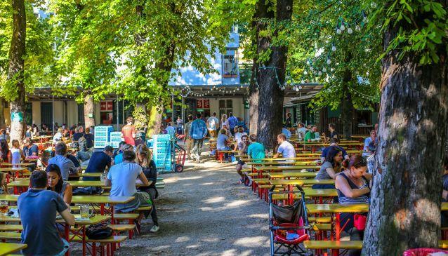 Einer der beliebtesten Biergärten in ganz Berlin ist der Prater Garten in Prenzl'Berg >> prater garten berlin - Populär ölträdgård