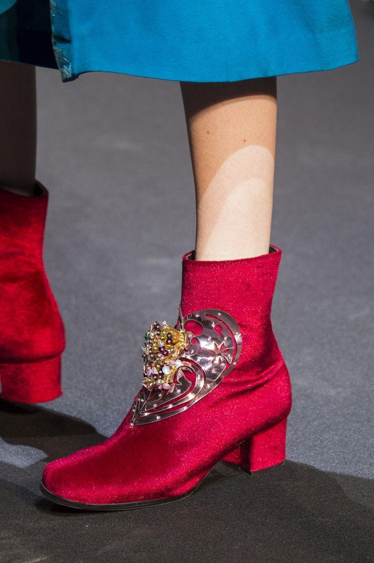 Manish Arora at Paris Fashion Week Fall 2017 - Details Runway Photos