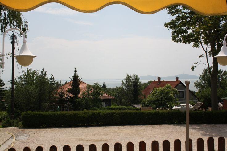 Rózsa apartman, kilátás a kertre és a Balatonra. Badacsony - Lake Balaton - Hungary