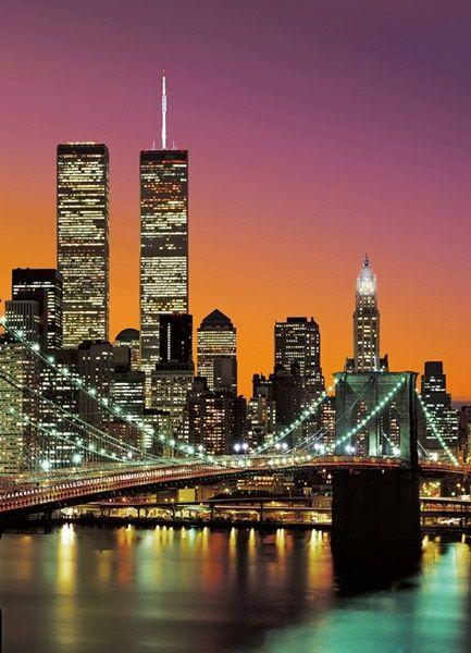 Fotomural Wizard Genius New York City 389,   imagen del puente de Brooklyn con Nueva York al amanecer de fondo.