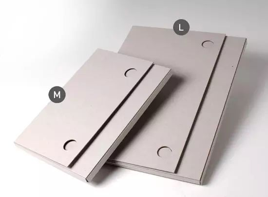 DinA4 Cardboard Document Holder. Original cardboard document holder, ideal for photographs, documents for clients and other DinA4 material. Take a look!