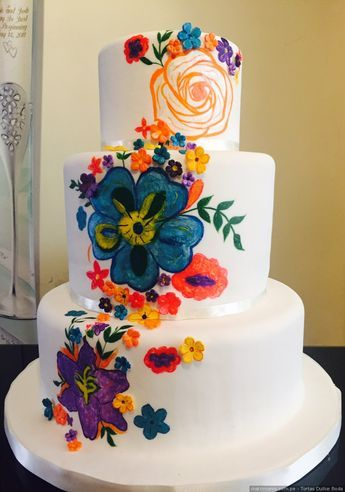 Torta con sabor peruano #torta #matrimonio #muñecosdetorta #celebracion #dulce #postres #boda #novios #marido #mujer #cake #weddingcake #sweet #celebration #wedding #groom #wife #married #justmarried #desert