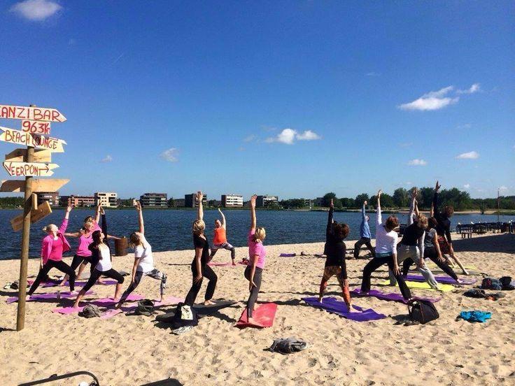 Yoga @ strand Villa Westend