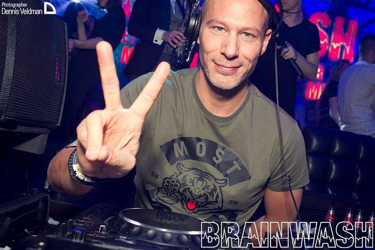 ✌🏼let your love run wild ✌🏼 Thnx for saving wildlife with us DJ Raymundo #lovemusic #lovelife #lovewildlife #mosthunted #djraymundo #tigertongue #tshirt #shootback #savewildlife #endextinction #djfun #brainwash #escape #amsterdam #nightout #streetwear #streetstyle #djstyle #yourstyle #jointhepack mosthunted.com #beastlygoodstreetwear