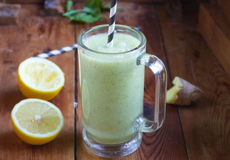 Pear Smoothie with Lemon and Ginger.