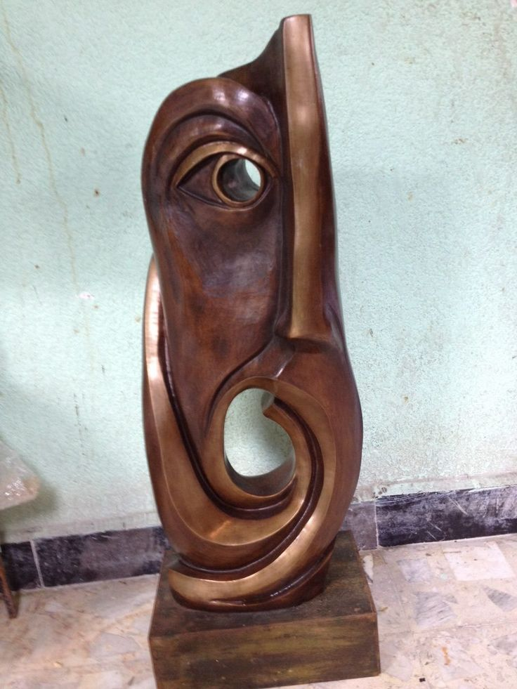 Artist : Federico Rivero / Title : Búho / Dimensions : 73 x 30 x 24 cms (aprox) / Technique : Bronze / Year : 2015 / Status : Available / Price: MXN $38,000