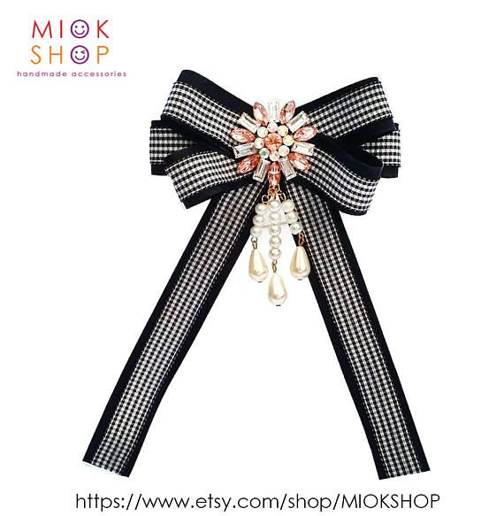 Gucci BowGucci inspired black checked bow brooch Gucci