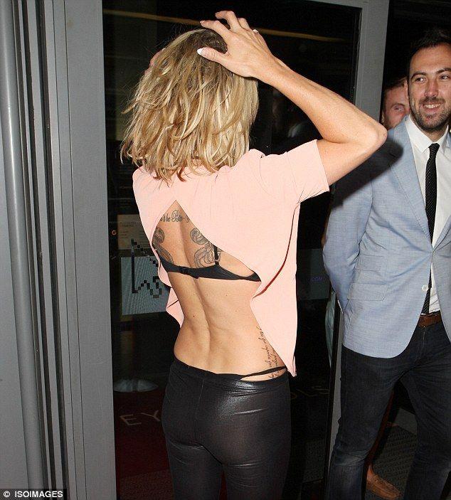 Fashion Showing Bra Straps