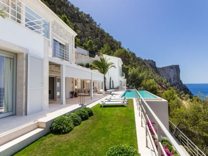 Luxury villa meeting highest requirements in Port Andratx Engel & Völkers Property Details | W-00Y3TD - ( Spain, Mallorca, Andratx, Port Andratx )