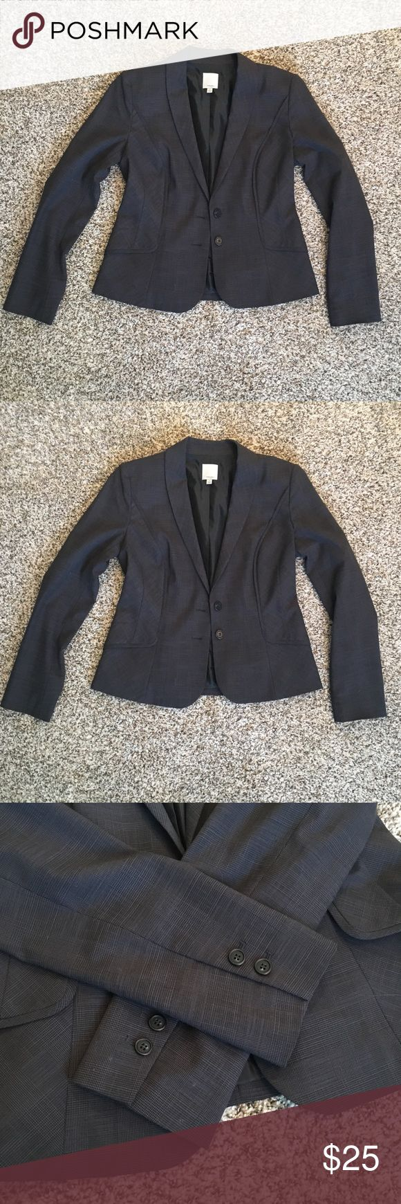 Size 8 gray women's suit jacket Classic, beautiful, high quality dark gray suit jacket for women. I got this beaut from Nordstrom originally and paid a pretty penny only to wear it once. The brand is Halogen and it's a size 8. 2 buttons in the front waist area and 2 buttons on each sleeve. Nice inner lining. Excellent condition. Halogen Jackets & Coats Blazers