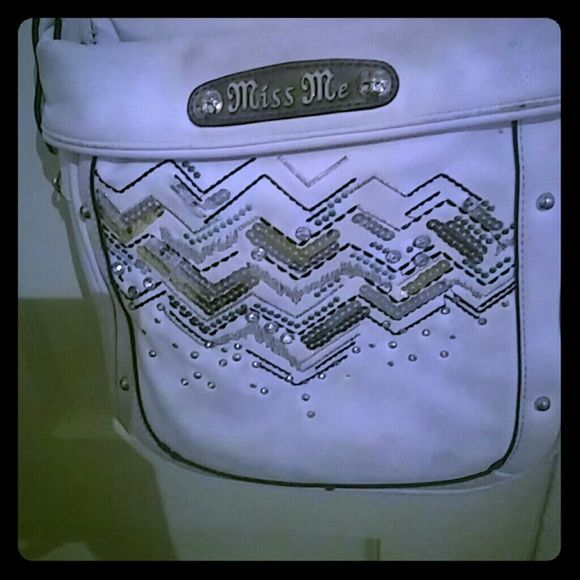 Miss me purse 8/10 condition , long strap , can be adjusted Miss Me Bags Crossbody Bags