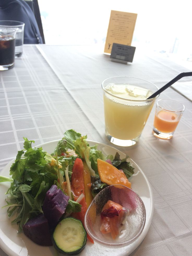 池袋のレストランにて。 眺めがいい 仲良い友達 野菜! 最高