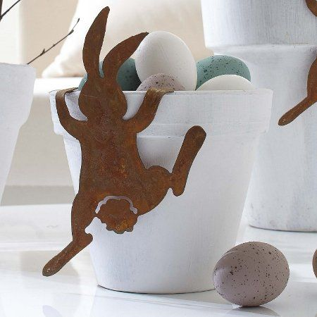 Cute easter decorating.
