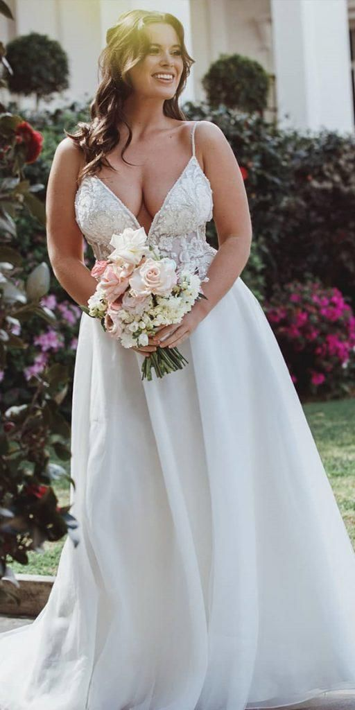 24 Graceful Plus Size Wedding Dresses