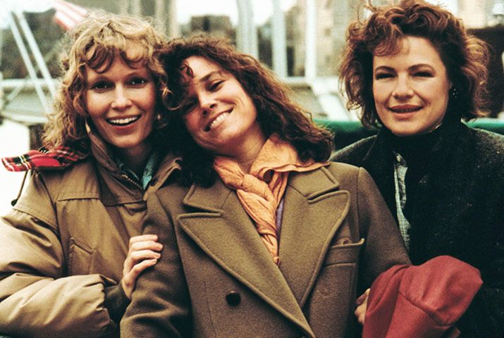 Hannah and her sisters (1986) by Woody Allen with Mia Farrow, Barbara Hershey, Carrie Fisher, Michael Caine, Dianne Wiest, Woody Allen...