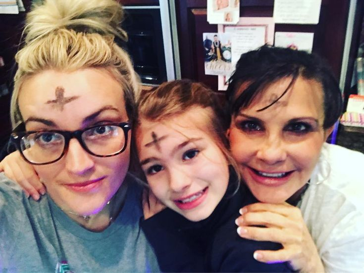 Jamie Lynn Spears poses with daughter Maddie and mom Lynne: '#Godisgood'